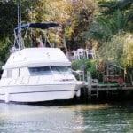 Location à quai de bateau à moteur à Saintes Maries de la mer