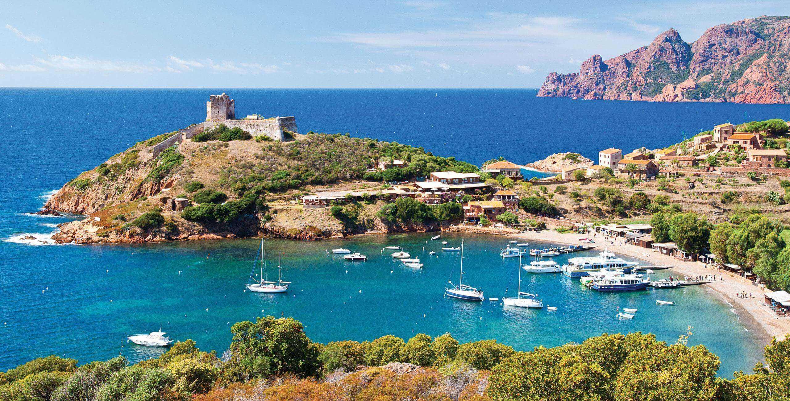 Bateaux en Corse
