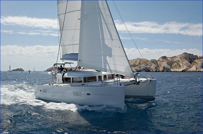 Navigation confortable en Lagoon 400 S2