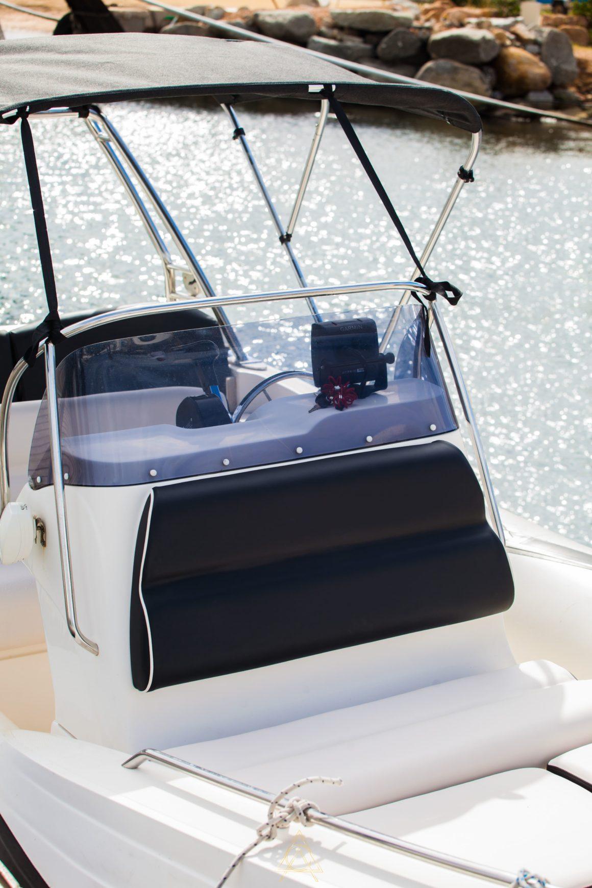refit bateau moteur sunbrella